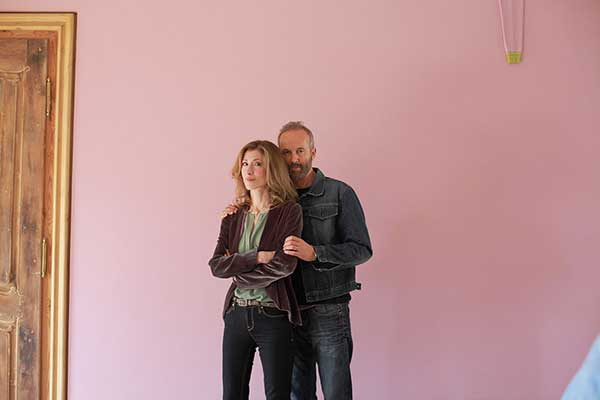 Wall Sweater, 2011 Material: canvas, wool Reya von Galen and Erwin Wurm. Photo: Florian Hatwagner