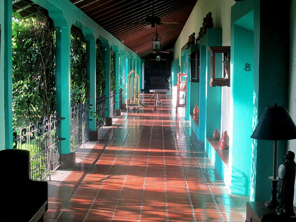 18-Inside-El-Convento-Hotel