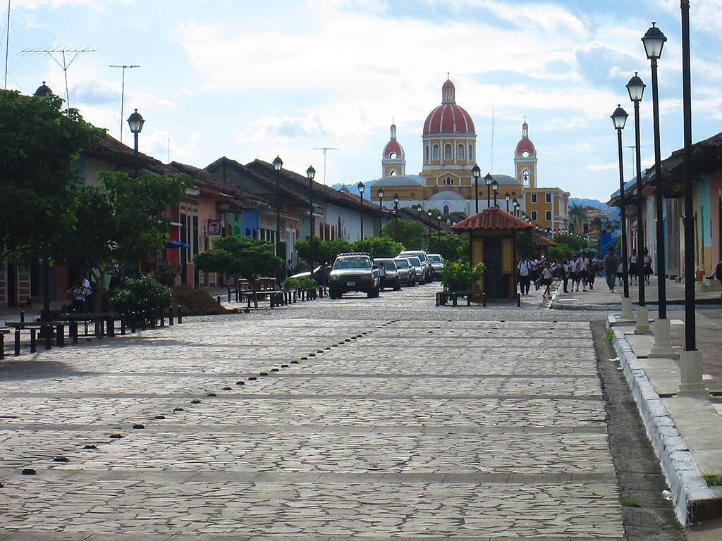 24-la-calzada-street.Granada.