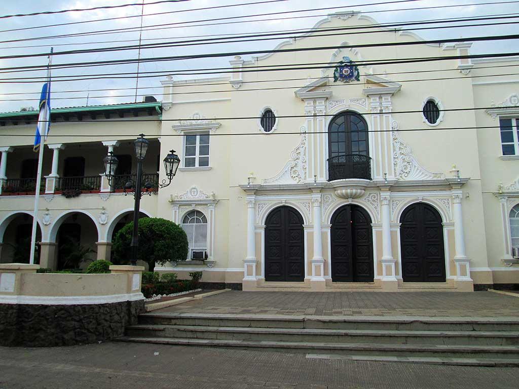 66-University-Building.-Leon.