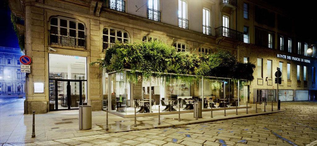 Trussardi-Café-Milano-162456.XL