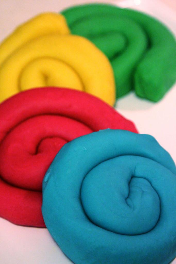 Children-Colored-Coats