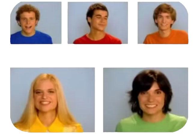 Óscar, Sergio, David, Clara y Virginia, los androides de La Casa Azul.