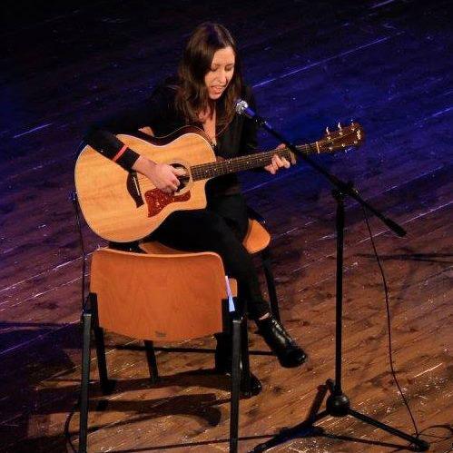 Chiara-Marcon-alla-chitarra