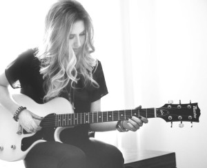 Erica Chase, set 8, playing guitar, pc Veronica Gutierrez