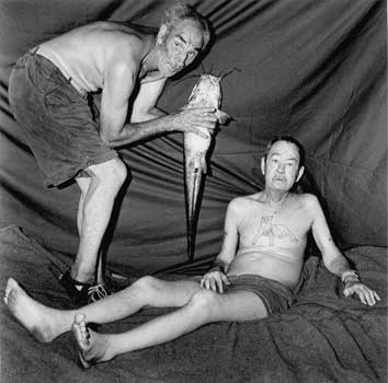 Roger Ballen, Two men with-barbel, 1999 TP